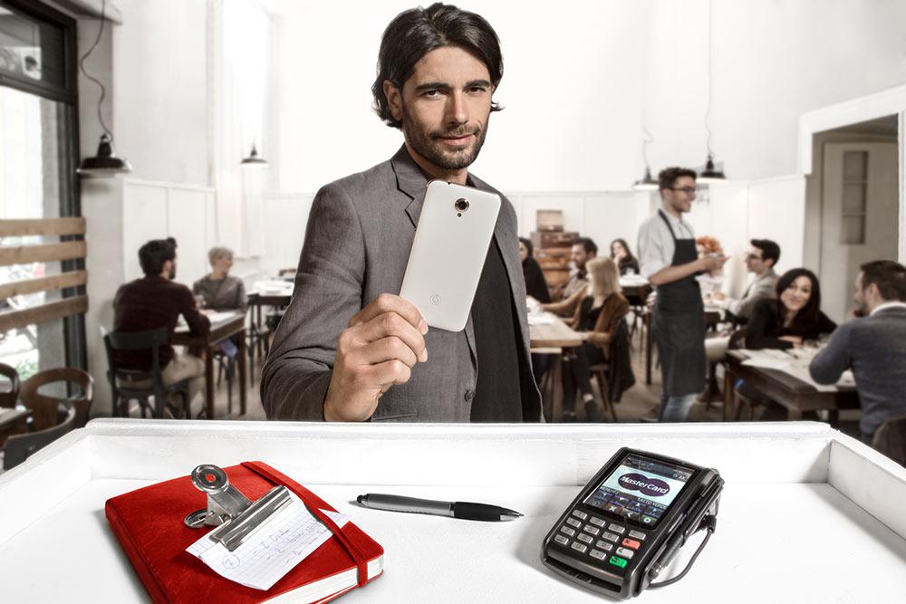 Vodafone Pay: basta un'app per pagare con lo smartphone