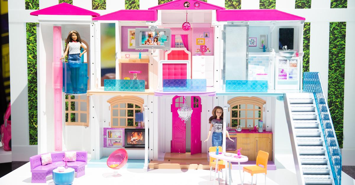 Barbie hello dreamhouse la prima casa delle bambole smart - Le chat de barbie ...